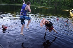picture of jumping in lake